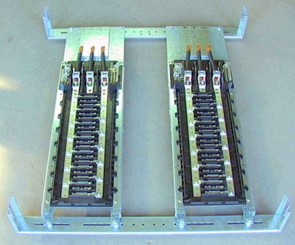 bare breaker panel board cat  no  nqom442m225 w  o breakers
